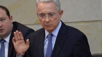 Exsenador Álvaro Uribe